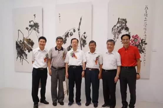 左起:李社建、刘海燕、孙永福、阳安江、张志刚、张志国