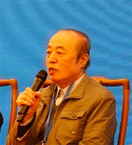 王其智把写实油画进一步的中国化,变成中国的气派
